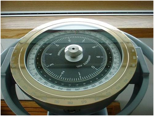 Gyrocompass for knowing the true North - Maritronics - Marine Services Dubai